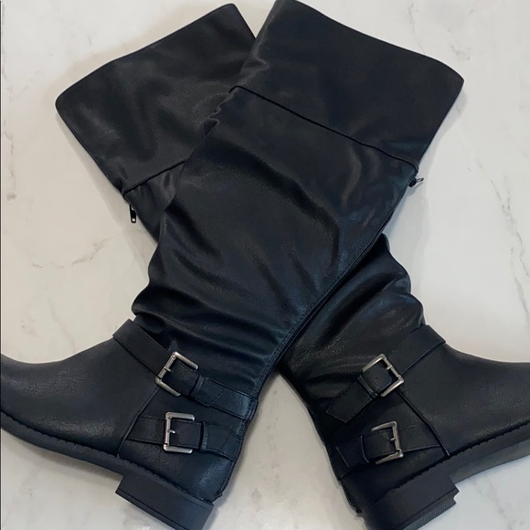 Knee Wide Calf Black Flat Boots Size